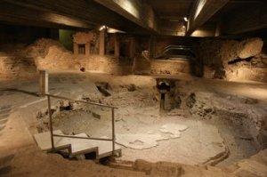 IV. századi oktogonális baptisztérium Milánóban.