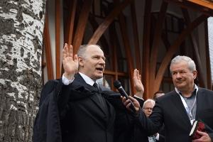 Szabó István református és Kiss-Rigó László katolikus püspök megáldja, megszenteli a Pancho Arénát. Forrás: http://www.pfla.hu/?q=news/4772