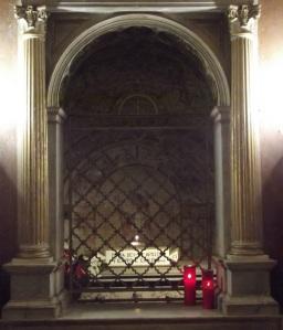 Fülöp és Jakab apostol sírja. Basilica SS. XII Apostolorum, Róma